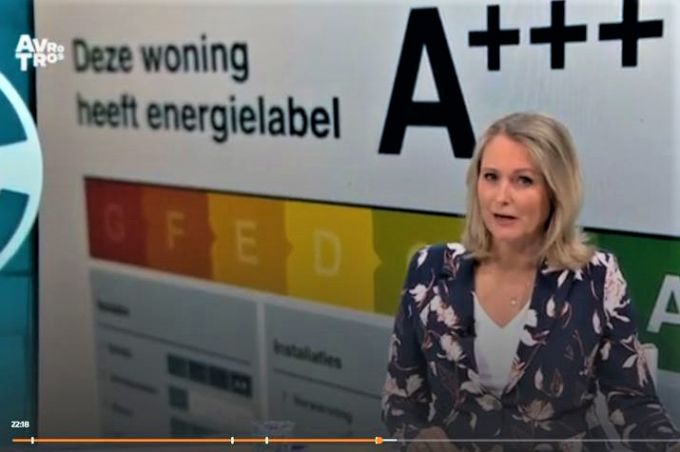 Presentatrice Antoinette Hertsenberg in Radar-uitzending over nieuwe energielabel