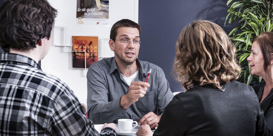 Energieconsulent in gesprek