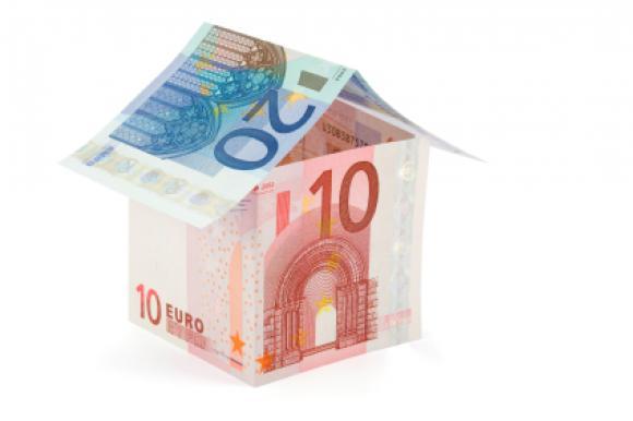 Huisje van eurobiljetten