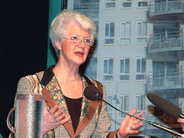 Oud-minister Sybilla Dekker tijdens een bijeenkomst van de Woonbond