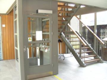 Lift in complex met seniorenwoningen