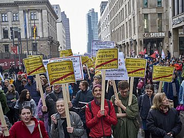 Demonstratie tegen 'verdringing en huurwaanzin' in Berlijn, 14 april 2018