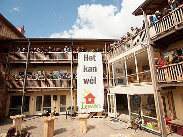 Opening eerste 'strowijk' van Nederland op 1 mei 2015