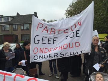 Protest huurders Albert Meynsstraat Wormerveer